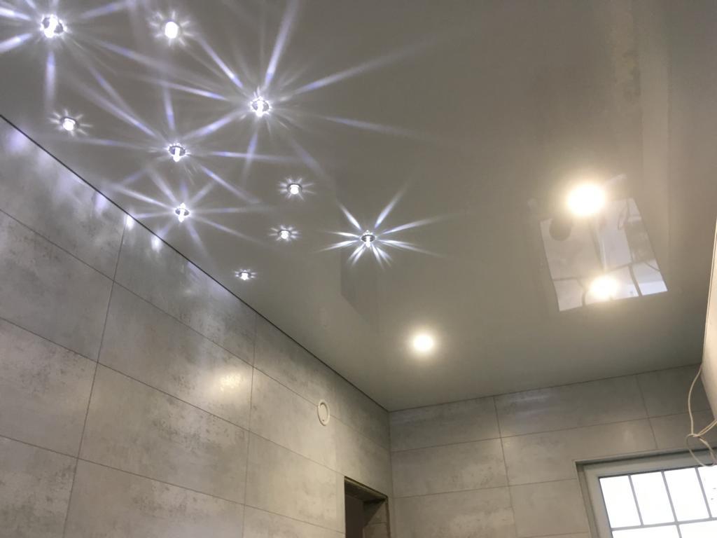 Badezimmer-mit Sternenhimmel-in -Neuthard